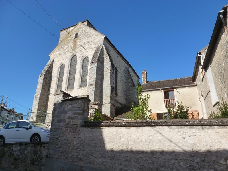 77 Écuelles - Maison de Muguett, artiste-peintre - au pied de l'église Saint Rémi du XIIIe siècle